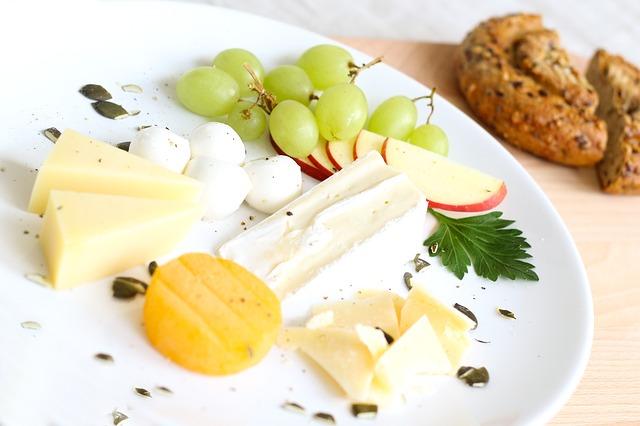 sýry a ovoce.jpg