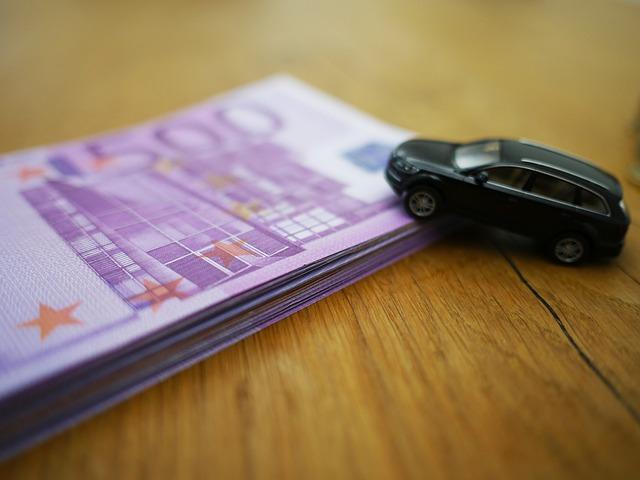 peníze auto